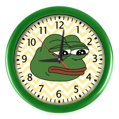 Настенные часы Грустная лягушка