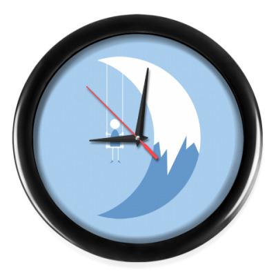 Настенные часы Качели на Луне