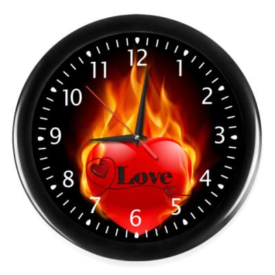Настенные часы Горячее сердце
