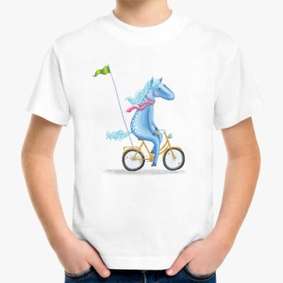 Детская футболка Лошадка на велосипеде с флажком
