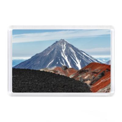 Магнит Вулканы, летний пейзаж полуострова Камчатка