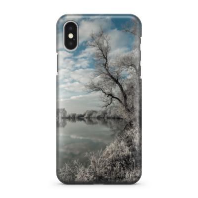 Чехол для iPhone X Ноябрь на реке