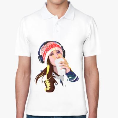 Рубашка поло девушка в наушниках