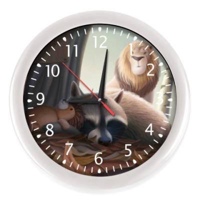 Настенные часы Похищение спящего енота