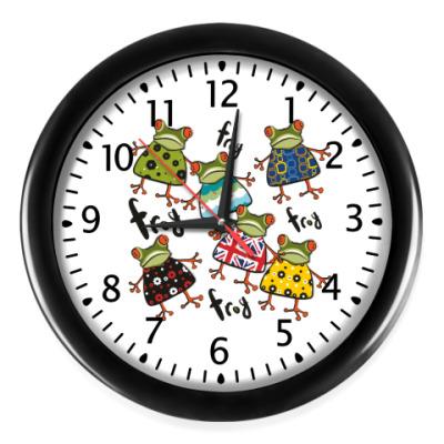 Настенные часы  'С лягушкой'