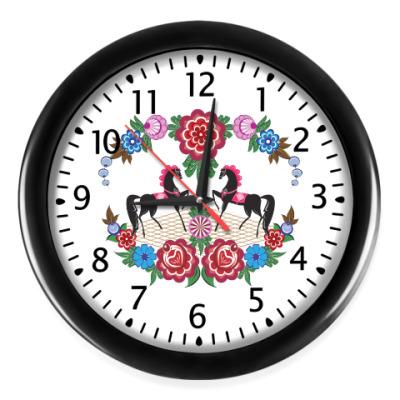 Настенные часы Городецкая роспись