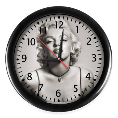 Настенные часы Мерлин Монро