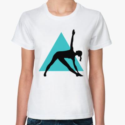 Классическая футболка Асана Треугольник на фоне... треугольника!