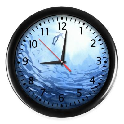 Настенные часы Бездна