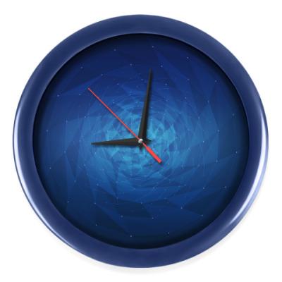 Настенные часы Воронка полигонов