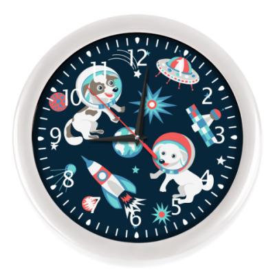 Настенные часы Космические собаки
